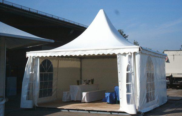 Zelte und Pavillions